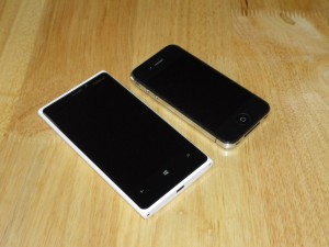 Windows Phone and iPhone size comparison